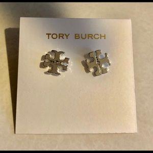 TORY BURCH SILVER LOGO DESIGNER STUD EARRINGS